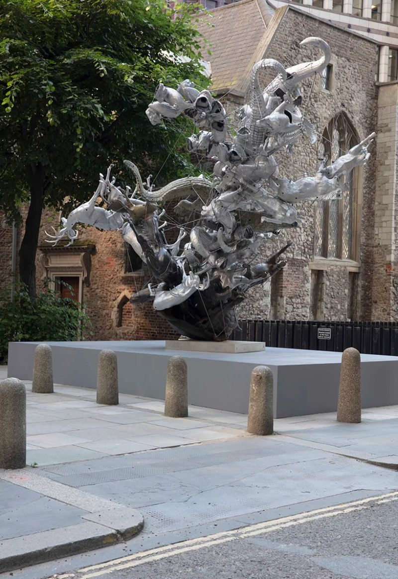 19 Contemporary Sculptures Emerge in The Middle of London's Streets contemporary sculptures 19 Contemporary Sculptures Emerge in The Middle of London's Streets 19 Sculptures Emerge in The Middle of Londons Streets 7