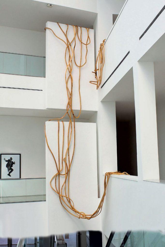 Reinoso's Spaghetti Bench: Modern Art That Explores The Use of Wood modern art Reinoso's Spaghetti Bench: Modern Art That Explores The Use of Wood Reinoso   s Spaghetti Bench Art That Explores The Use of Wood 11 683x1024