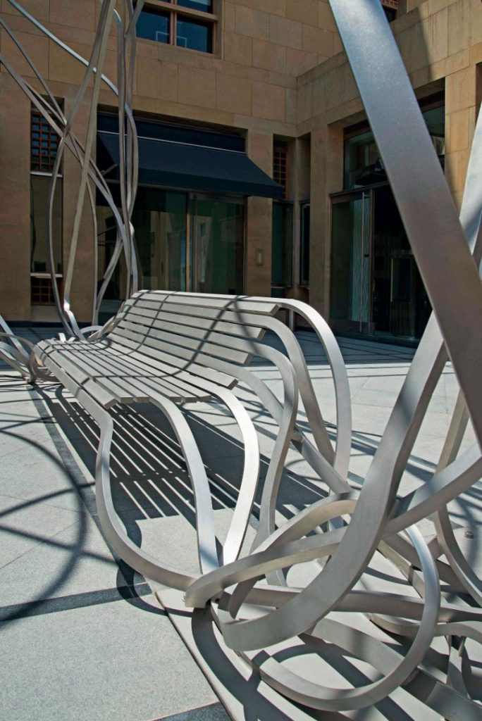 Reinoso's Spaghetti Bench: Modern Art That Explores The Use of Wood modern art Reinoso's Spaghetti Bench: Modern Art That Explores The Use of Wood Reinoso   s Spaghetti Bench Art That Explores The Use of Wood 5 684x1024