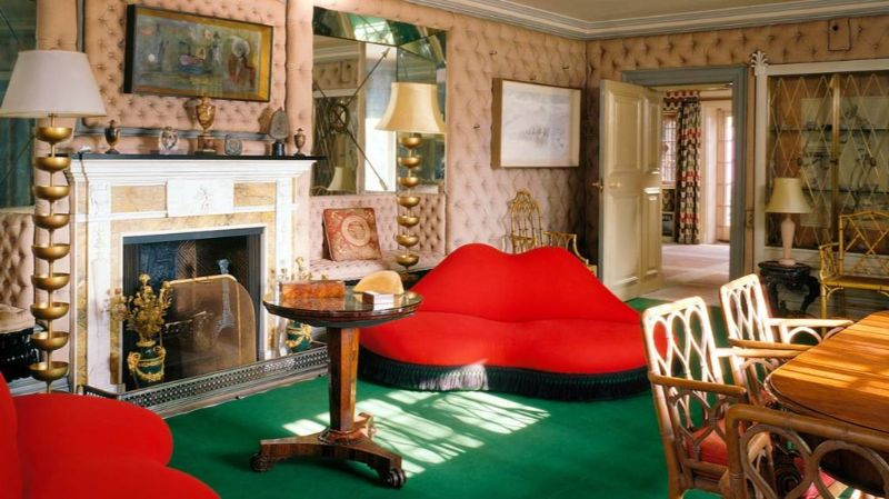 Dali's Red Lips - The Story Behind This Iconic Art Furniture art furniture Dali's Red Lips – The Story Behind This Iconic Art Furniture Dalis Red Lips The Story Behind This Iconic Furniture
